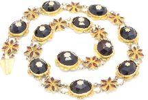 Colliers & pendants