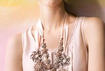 brooches jewerly necklace
