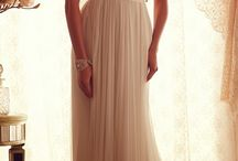 Dresses / Wedding dresses