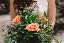 Floral Inspiration / Couples today want their big day to tell a story; bringing a fantastical dream to life through creative backdrops and sensory experiences. We think 2018 will bring more free-form bouquets, as an innovative take on the classic bouquet. These will include more foliage, including edible herbs for an aromatic twist