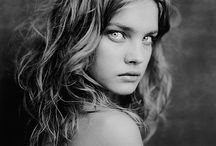 Women / by Minhia Defoy