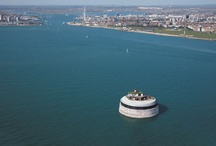 Spitbank Fort / Spitbank Fort is the UK's most luxurious private island, located in the Solent, with spectacular views towards Hampshire and the Isle of Wight