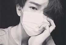 » G U Y S «