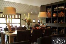 Binnenkijken Hotel Sterrenberg | Nano Interieur / Binnenkijken bij interieurs die zijn ingericht met de unieke meubelen van Nano Interieur. Dit prachtige hotel ligt schitterend gelegen op de Veluwe. De sfeer die we met het interieur willen uitstralen is rustig en warm waar men zich gelijk thuis voelt.  Hierbij is gekozen voor grijs- en bruintinten bij elkaar, gecombineerd met een touch van blauw en rood. Gewaagd en stoer maken het samen heel sfeervol. #sfeervolwonen #binnenkijken #hotelsterrenberg #nanointerieur