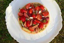 patisseries sans gluten aux fruits / Des tartes ou des pâtisseries de saison, avec des fraises, de la rhubarbe, des framboises ou des poires en suivant toujours une recette d'un chef pâtissier adaptée sans gluten