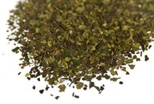 Guayusa Tea / Guayusa in its dried form and brewed as an energy-giving tea.