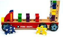 Bloomby Products / Beautiful and sustainable educational toys that are classic and innovative in design.