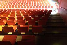 Theaterzaal Zuider amstelkanaal / De Theaterzaal op de bovenste verdieping van het Geert Groote College wordt gebruikt voor het kunstprogramma van de school: koorlessen, voorspeelavonden, open podia, toneellessen, voorstellingen en het eindwerkstukkenfestival.  De zaal heeft 400 stoelen (bij kleine voorstellingen 270) en wordt verhuurd voor koor, operette, toneel, filmopnames, dansvoorstellingen, cursussen, conferenties enz.