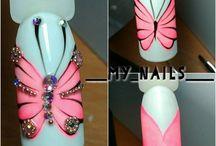 nails motyle