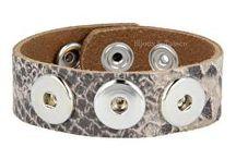 Clicks collectie / Onze collectie Clicks zijn bedoeld om op de speciale  armbanden, kettingen en ringen te plaatsen.
