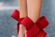 Shoes with accesory