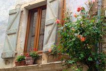 Inspiring Windowsills / ...photos of inspiring windowsills that I love from my travels