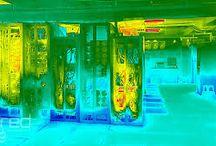 thermografie ICT / Thermografische analyse uitvoeren. Met thermografie brengen we de temperatuur in computerruimten grafisch weer. De thermografische camera is een warmtebeeld camera. Wij benutten de warmtebeeld camera vooral om te warme omgevingen in datacenter en computerruimten tijdig te traceren. De thermografisch analyse dient ook ter brandpreventie om overbelaste en daardoor oververhitte bekabelingen tijdig te vervangen. Met thermografie voorkomt u brand in gebouwen, installaties en computerruimten.