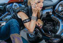 Harley Davidson motorcycles / by Lee Lindsey