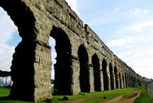 acquedotti - roman aqueducts / gli acqedotti romani erano progettati per spostare l'acqua per lunghissimi tragitti solo per gravità