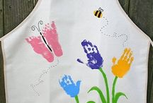 Huellas de manos, pies y dedos / Manualidades realizadas con huellas de los pies o de las manos (tanto estampación con pintura como siluetas) y huellas de los dedos realizadas con pintura.