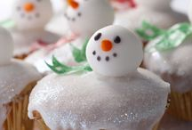 Christmas Cakes / Brilliant cake ideas for the holidays - some simple enough even Lewey could do!