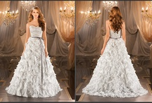 Wedding Gowns / by Mateya Vesely