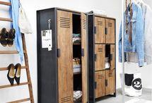 Organising & opbergen | LUMZ / We hebben zo veel spullen, maar waar laten we dat allemaal? Gebruik een open kast om je mooiste spullen tentoon te stellen. De rommel verstop je lekker!