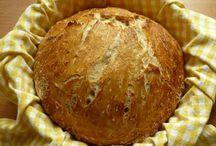 Domácí chléb, houstičky,bagetky.