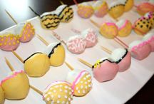 Cake Pops / by Katie Raddon