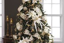 Christmas trees / White poinsettia Xmas trees
