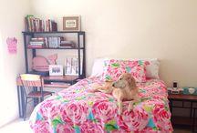 Teen bedroom / by Tiffany Bussie