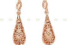 Earrings / Nice, fashionable drop and stud earrings