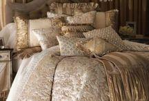 ágytakarók párnákkal