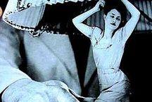 Grete Stern / Grete Stern (Elberfeld, Alemania, 9 de mayo de 1904 — Buenos Aires, Argentina, 24 de diciembre de 1999) fue una diseñadora y fotógrafa alemana radicada en Argentina, alumna de la Escuela de la Bauhaus.