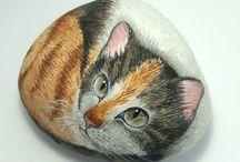 Sassi animali gatti / Gatti dipinti su sassi