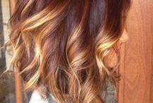 Corte chanel invertido para cabelo cacheado (Inverted Curly Bob Haircut)