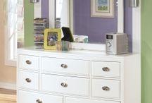 Kids Dresser with Mirror / Designer and Stylish Kids Dresser Furniture with mirror