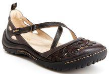 Angela footwear