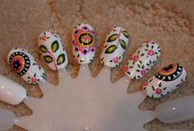 nails / by McKaylee Brooks