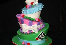 Amazing Cakes / by Tiffany Steffen