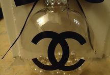chanel style christmas decor / by gerre lynne