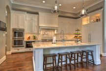 Kitchen Dreams are Made of These / Sharing kitchen design and decor inspiration - filled with white kitchens, contrasting kitchens, elegant kitchens, and statement kitchens