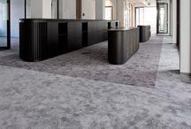 Van Besouw | Van Oort Interieurs / Van Besouw bestaat al sinds 1839. Het is opgericht als producent van juten zakken, maar is uitgegroeid tot producent en leverancier van eigentijds tapijt. Bij Van Besouw wordt ambacht gecombineerd met eigentijdse techniek. Eigen vindingen maken esthetische hoogstandjes mogelijk. De juiste vloerbekleding kan veel toevoegen voor uw interieur.