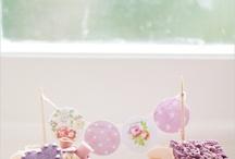 Cakes & Cupcakes / by Vanessa Biggs