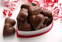 Valentines Day Chocolate 2016 / Start your Valentine's Day with a sweet bite of Chocolates. So the sweetness of your relationship can stay long lasting. Buy them some different shaped chocolates and make your relationship sweeter than anything else.