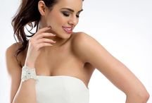 Diademas de Novia - Odilia Bridal / Las diademas de novia son un complemento ideal para cualquier tipo de novia, desde las novias estilo princesa, hasta las novias más minimalistas. Tenemos diademas de encaje, con pedrería, perlas, cristales... Muy cómodas y fáciles de poner.
