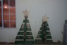 Michelle Portier / wooden pallet christmas tree