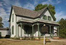 Sinclair Lewis / Some of the greatest stories of American literature are the stories of the authors themselves and the places that sparked their imaginations. Sinclair Lewis - Sauk Centre, MINNESOTA