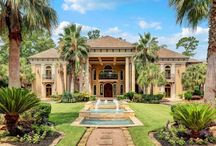 Lavish Living / Who doesn't love to live large. Here's featuring some of the most opulent & extravagant luxury houses from around the world.
