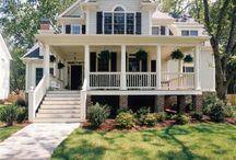 Houses / by Kimberly Winfree