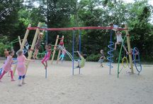 EUROPLAY Metaal - Metal / A series of challenging playground equipment for children aged 6 to 15. The combination of climbing, scrambling, strength and sliding makes this equipment a must for every playground.  The playground equipment is vandal-proof due to the combination of metal, stainless steel, aluminum, plastic and steel wire.