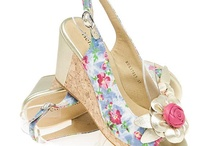 Shoe Trends: Floral / Flower power is everywhere this year!
