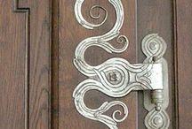 Hinges snd door knockers