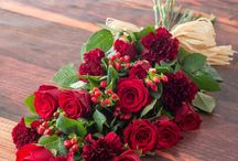 Christmas Flowers / Beautiful bouquets that will bring festive cheer into your home.